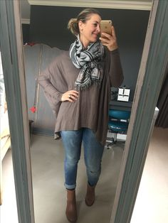 Fun Friday look of the day: ankle boots and slim boyfriend jeans WOOLWORTHS SA (thanks to my awesome mom for the jeans for my mother's day gift!) Top from Black Coffee (if anyone knows where I can get more of them I would appreciate it!) and scarf from Cotton On !