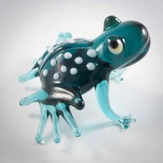 Glass Green Sitting Frog Figurine is a hand-blown glass figurine which is made by the. http://russian-crafts.com/glass-figurines/glass-reptiles/glass-sitting-frog-en.html