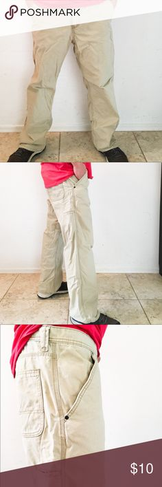 👷🏾♂️👷🏻♂️👷🏿♂️Old Navy Cargo Pants 38/30 These Old Navy's will really float your boat. 🚣♀️ Don't look any further for a great pair of cargo pants!   Used, but in good condition. Please note 📝 picture of minimal smudging.  38 Waist/30 Length 100% Cotton Made in Bangladesh 🇧🇩 Old Navy Pants Cargo