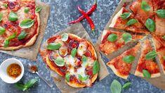 Milujete pizzu, ale doma se vám nikdy nepodaří tak dobrá jako v restauraci? Zkuste náš oblíbený recept a uvidíte, že příprava křupavé domácí pochoutky není žádná věda. Vegetable Pizza, Tacos, Vegetables, Food, Essen, Vegetable Recipes, Meals, Yemek, Veggies