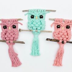 Owl pattern digital download is finally in our Etsy shop. Of course I had to try it out with my @niromastudio cord. I want all the colors. So precious. These will be for sale @omgbeckyfest @goodmakersmarket @vintageandmadefair Crochet Edging Patterns, Owl Patterns, Macrame Patterns, Craft Patterns, Crochet Home, Crochet Crafts, Sewing Crafts, Macrame Owl, Macrame Knots
