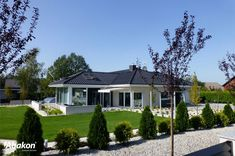 Dom w amarantusach Bungalow House Design, Home Fashion, Farmhouse, Mansions, House Styles, Outdoor Decor, Garden, March, Home Decor