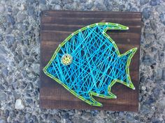 READY TO SHIP Tropical Fish String Art Mini von MadeByTheNeedle Cute Crafts, Yarn Crafts, Hobbies And Crafts, Arts And Crafts, Fish Art, Fish Fish, Dorm Art, Nail String Art, Camping Crafts
