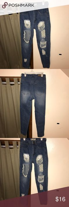 Ripped denim that didn't fit :( Super cute high waisted distressed denim that didn't fit when I ordered them, such a shame. Size 2 but they run small Boohoo Jeans Skinny