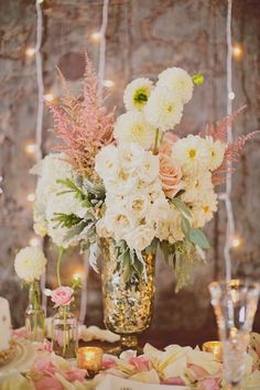 pretty-chic-flowers-wedding-centerpiece-idea.jpg (600×900)