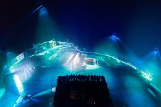 yadegar asisi projects a 360° panorama of the titanic at 1:1 scale