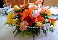 https://flic.kr/p/yANuM3 | Centro de mesa | de vivos colores con lilis, rosas, gerberas. Pedir cotización: ventas@floreriazazil.com www.floreriazazil.com Cancún, Quintana Roo. México.