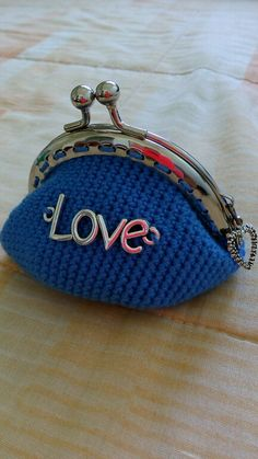 monedero azul love