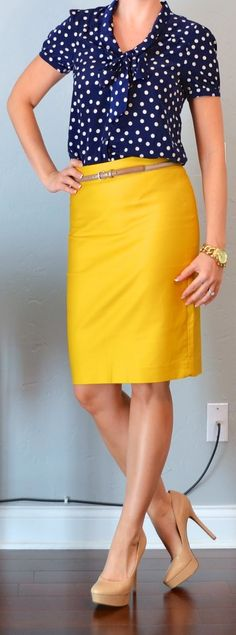 navy polka dots + yellow pencil skirt -- I'm not sure I'd wear a bright yellow skirt, but I like the look Looks Style, Style Me, Retro Style, Mode Outfits, Dress Outfits, Fashion Outfits, Boho Mode, Business Attire, Business Casual