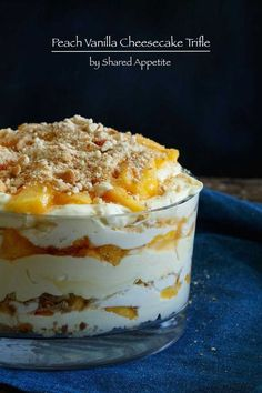 Recipes - Peach Vanilla Cheesecake Trifle Peach Vanilla Cheesecake Trifle - a great dessert recipe that has pudding and peaches why make a pie.Peach Vanilla Cheesecake Trifle - a great dessert recipe that has pudding and peaches why make a pie. British Desserts, 13 Desserts, Tolle Desserts, Layered Desserts, Brownie Desserts, Great Desserts, Delicious Desserts, Dessert Recipes, Yummy Food