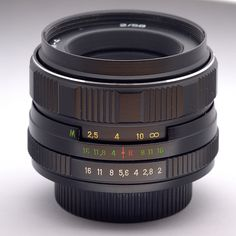 Helios 44m-4 58mm f2, a fantastic Soviet Lens, and in fact an exact copy of a Zeiss Biotar. Got mine for an amazing £12 on ebay!