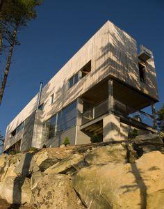 Bridge House by MacKay-Lyons Sweetapple Architects // Nova Scotia, Canada