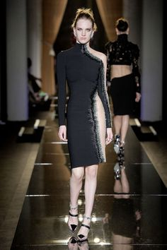 Atelier Versace - Autumn Winter 2013/14.   Would so wear this, after months of working out non stop that is