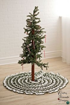 Christmas Pine Tree Skirt crochet pattern