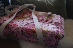 casserole carrier- good for gifts too @Kim Woodward