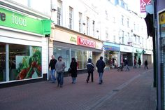 High Street, Teignmouth, Devon - Woolworth's closes - 2008 Devon And Cornwall, Scotland, Buildings, The Past, Street View, Photography, Photograph, Fotografie, Photoshoot