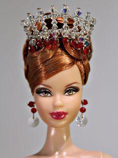 Barbie crown - by William Fashion Doll Design Barbie Hair, Doll Clothes Barbie, Barbie Barbie, Pretty Dolls, Beautiful Dolls, Barbie Wedding, Ballerina Barbie, Barbie Accessories, Barbie Collection
