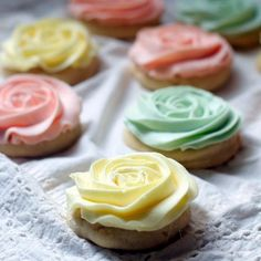 """Pastel """"Rose"""" Sugar Cookies for Mother's Day"""