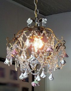 This is another spellbinding and awesome chandelier with the touch of rustic bronze and gold which have been beautifully blended with the crystals to bring out the sublime and radiant lighting into space. This remarkable chandelier is just a wonderful element for your home décor.