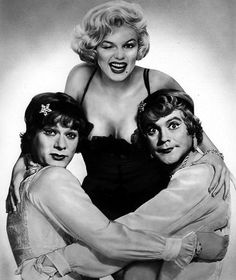 #MarilynMonroe #TonyCurtis #JackLemmon  Publicity pic for Some Like it Hot 1959 ❤❤