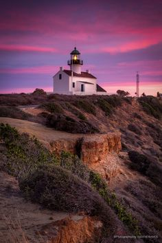 Old Point Loma Lighthouse, San Diego California // eramos_ca One of my very most favorite places! San Diego Beach, San Diego Zoo, San Diego Tourist Attractions, Chimayo New Mexico, Point Loma San Diego, Cool Places To Visit, Places To Go, Visit San Diego, Viajes