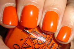 """OPI - """"A roll in the Hague"""", 2 couches, avec flash"""