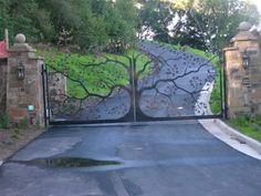 Custom wrought iron gate in Petaluma, CA. The Oak Tree gate - Art