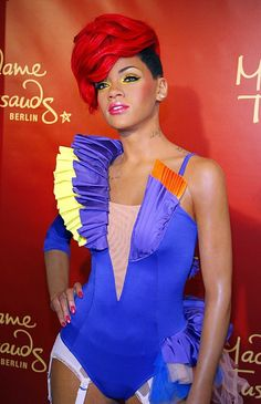 Madame Tussaud's Wax Museum Berlin Rihanna Famous Celebrities, Celebs, Wax Museum, Rihanna Style, Madame Tussauds, Swag Style, To My Daughter, The Incredibles, People