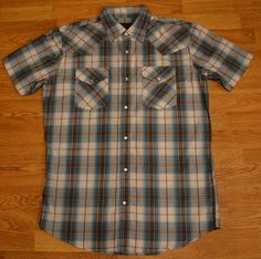 High Noon Men's Size Medium WesternRockabilly Shirt with Snap Buttons