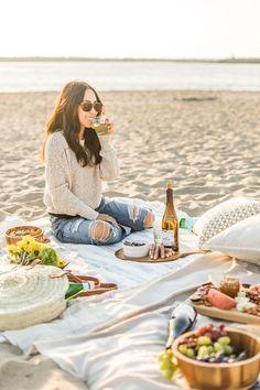 How to Host a Fall Beach Picnic