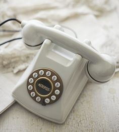 A white, vintage telephone helps set the right tone a winter bedroom. Vintage Phones, Vintage Telephone, Winter Bedroom, Retro Phone, Old Phone, White Cottage, Shades Of White, Color Of Life, Landline Phone