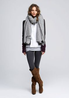 Leggings are the best. There is no more comfortable piece of clothing those leggings. It is possible to mix it with any other outfit. Here are some style tips to wear leggings below. Looks Street Style, Looks Style, Style Me, Fall Winter Outfits, Autumn Winter Fashion, Winter Style, Casual Winter, Winter Chic, Cozy Winter