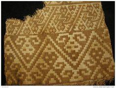Resultado de imagen para zoomorphic chancay textile