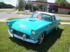 CanadianAutoNetwork.com - 1956 Ford Thunderbird Convertible