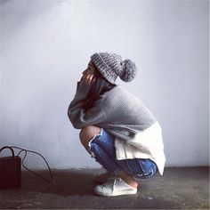Aliexpress.com: Comprar Brand sombrero de invierno mujeres otoño 2015 moda Snapback Caps bola de pelo sombreros de protección del oído cálido gorro de lana casquillo Swag de la gorrita tejida Skullies de sombrero de moda fiable proveedores en Amoy Mason Trading Co.,Ltd
