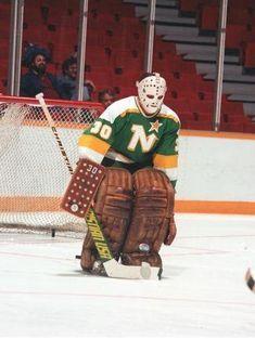 Jim Craig with Minnesota North Stars. Pro Hockey, Bruins Hockey, Hockey Goalie, Steelers Football, Hockey Teams, Hockey Players, Hockey Logos, Hockey Stuff, Nhl