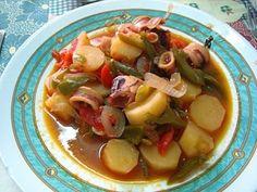 Ce ragoût de calamars est une recette simples, mais très savoureuse. Est faite avec des ingrédients simples qui combinent à la perfection. Essayez!