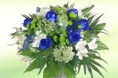 Rosenstrauß blau weiß