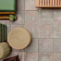 Dúvidas sobre assentamento de pisos drenantes? Em nosso site você encontra uma cartilha com todos os detalhes: http://www.maski.com.br/extras.php?id=3! Na foto, Piso Placa 40 Drenantes cor canela, entregas em SC, PR E SP!. Na foto, Casa Cor SC 2014, Projeto Sidnei Machado, foto Lio Simas. #pisos #pisodrenante #pavimento #concreto #permeabilidade #sustentabilidade #eco #ecofriendly #floor #maski