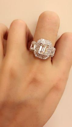 Three stones diamond ring
