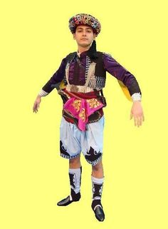 The traditional outfit of the 'Efe' (or: 'Zeybek') from the Izmir province.  The model goes back to the 1920s.  This is a recent workshop-made copy, as worn by folk dance groups.