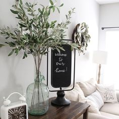 Entry way glass vase with olives leaves decor ideas декор комнаты, дом и де Farmhouse Living Room Furniture, Living Room Kitchen, Farmhouse Decor, Living Room Decor, Country Farmhouse, Living Rooms, Vases Decor, Table Centerpieces, Centerpiece Ideas