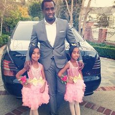 P Diddy Daddys Little Girls, Daddys Girl, Black Celebrities, Celebs, Sean Combs, Puff Daddy, Interracial Family, Daddy Daughter Dance, 1 Gif