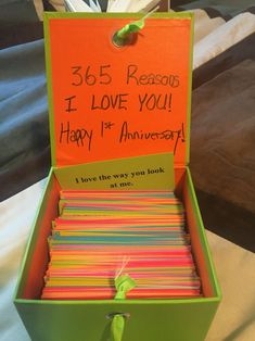 First Wedding Anniversary. Paper. 365 Reasons Why I Love You! #anniversarygifts #boyfriendanniversarygifts