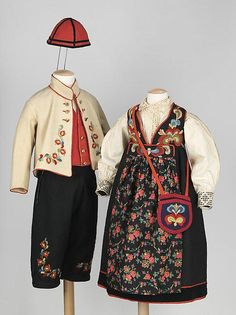 Medium: wool Scandinavian clothing can be quite similar but 'this girl's ensemble, picture[d] here with a complete boy's ensemble is distinctive to Norway for its darker color palette than neighboring sweden and Denmark' Folk Clothing, Historical Clothing, Norwegian Clothing, European Costumes, Boy Fashion, Fashion Outfits, Children's Outfits, American Dress, American Girl