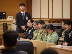 """Der """"Sewol""""-Kapitän Lee Jun Seok (2.v.l.) und andere Crew-Mitglieder auf der Anklagebank. - afp"""