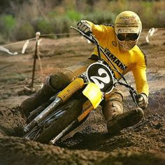 My favorite pics of the Hurricane, Bob Hannah - Moto-Related - Motocross Forums / Message Boards - Vital MX Yamaha Motocross, Motocross Riders, Motocross Action, Motorcross Bike, Motorcycle Racers, Motorcycle Garage, Mx Racing, Dirt Bike Racing, Vintage Bikes