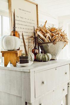Fall Home Decor, Autumn Home, Amber Bottles, Autumn Inspiration, Farmhouse Decor, Farmhouse Style, Cottage Style, Modern Farmhouse, Painted Furniture