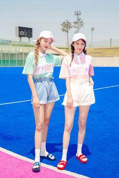 Korean Model Lee Chae Eun & Sae Eun in Fashion Photoshoot July 2017 - Asian Beauty Image Pastel Fashion, Kawaii Fashion, Cute Fashion, Fashion Outfits, Ulzzang Fashion, Ulzzang Girl, Korean Street Fashion, Asian Fashion, Yoon Ara