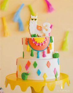 Love this llama fiesta birthday cake Llama Birthday, My Birthday Cake, 10th Birthday Parties, Birthday Party Themes, Birthday Ideas, Mexican Birthday, Mexican Party, Fiesta Cake, Fun Cupcakes
